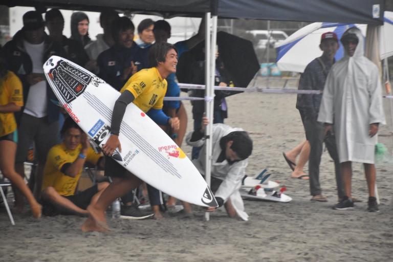 日本銀メダル・団体リレー戦アロハカップ「ISAワールドサーフィンゲームス」5日目 by THE SURF NEWS
